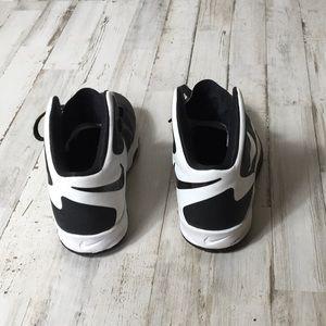 Nike Shoes - Nike Hyper Guard Up Tennis Shoes 6Y Boys Men's